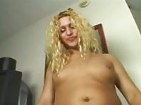 Amateur mutual sex with curly cutie