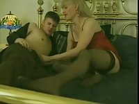 Vintage blonde tranny gets penetrated