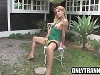 Shemale babe Adryella Vendramine jerks it outdoors