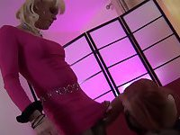 Shemale Tranny Hunter eats a Tgirls prick