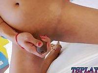 Stunning shemale masturbates her shaft