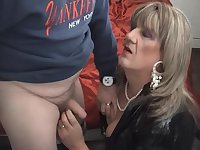 Mature TV whore sucks of customer
