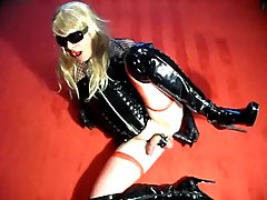 Fetish Travesti Jerking Off Solo at sexodirectory.com