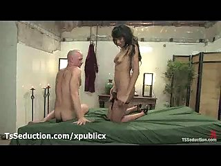 Tanned tranny fucks guy in mouth