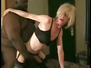 Fat ebony drills crossdresser