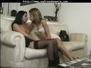 Mutual oral sex between tranny and chick
