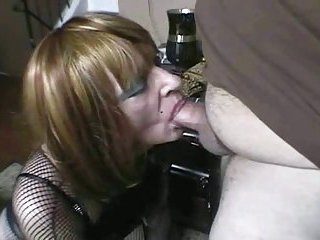 Mature CD sucking a thick dick