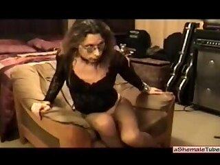 Amateur Vannessa in pantyhose solo