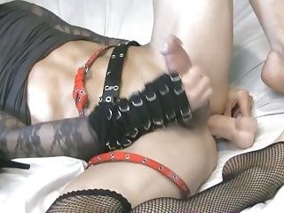 Goth CD Cumming While Toying