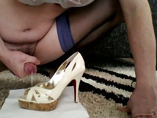 Cum on high heels