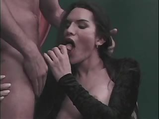 Pleasant act with a skilful tranny bitch