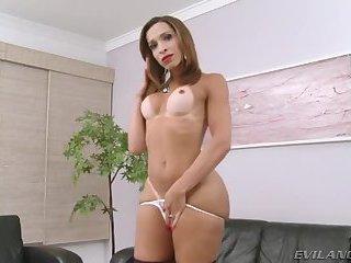 Hung latina Gabrielli