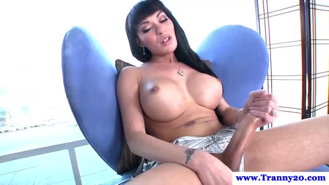 Tranny smoking masturbation