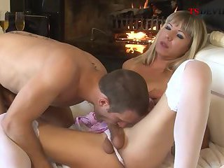 Valentins day fuck with my shemale girlfriend